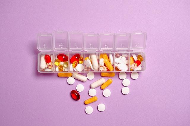 תרופות סבתא נגד התקרחות: שיטות שאפשר לנסות בבית