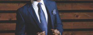 גם גברים מתלבשים בסטייל: אאוטפיטים אופנתיים במיוחד לאירועים